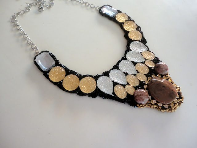 diy-collar-necklace-stones-beads-pattern-idea